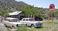 Dva automobily, které zEmbuda už nikam nepojedou; Studebaker Station Wagon 1957 aPackard Patrician 1954