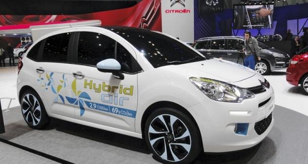 Citroën C3 1.2 VTi Hybrid Air při premiéře vŽenevě (2013)
