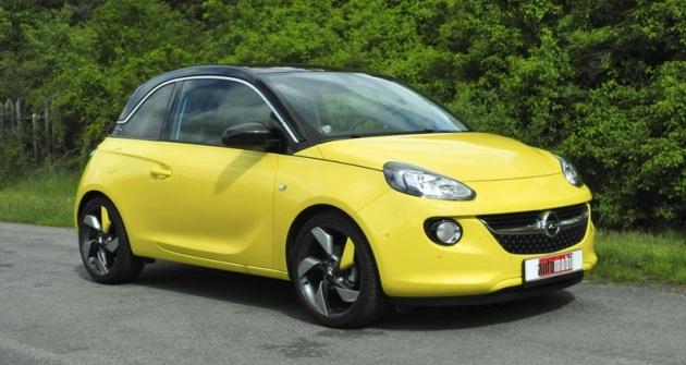 Nejmenší sériový Opel budí pozornost zejména dynamickým designem karoserie, nabízené vmnožství barevných kombinací
