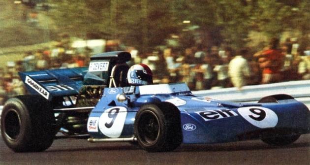 François Cevert (Tyrrell 002 Ford) naokruhu Watkins Glen jako vítěz Velké ceny USA 1971 (vpravo Ken Tyrrell)