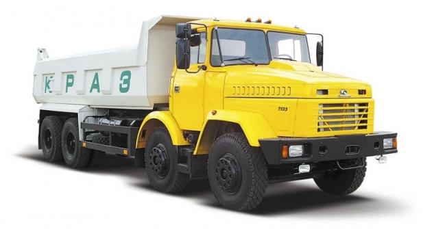 KrAZ7133C4 Brigadir Typ1 (21t; 243kW), rozšíření nabídky očtyřnápravové vozy