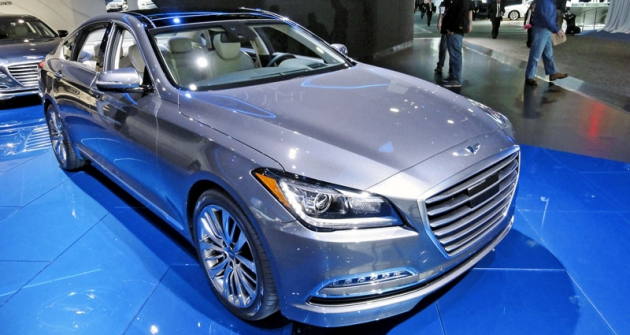 Hyundai Genesis při premiéře naautosalonu vDetroitu 2014