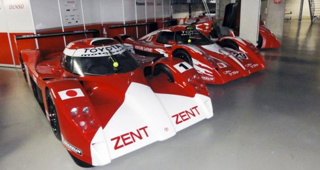 Při naší návštěvě  byly vmuzeu TMG tři vozy GT-One, čtvrtý pak vevstupní hale