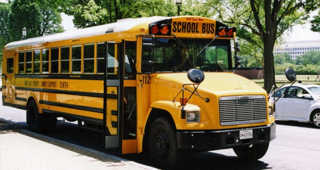 Klasických školních autobusů Saf-T-Liner FS65 se vyrobilo přesně  62764 doroku 2005!