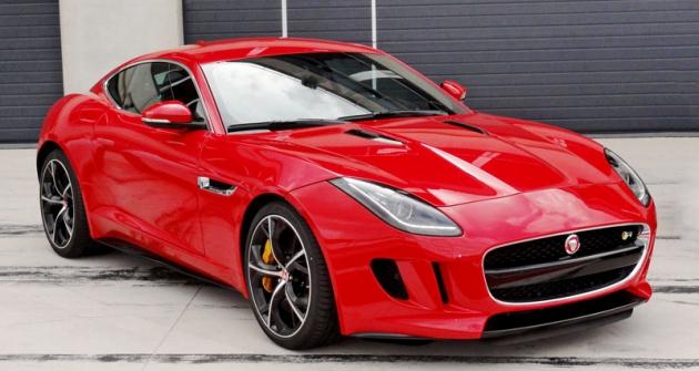 Vrcholem nabídky je osmiválcový  Jaguar F-Type R Coupé