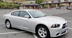 Jméno Charger se vrátilo vroce 2005 pro velký sedan, pokud nepočítáme studii zDetroitu 1999