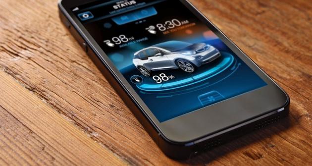 Nachytrém telefonu lze neustále sledovat mnoho vlastností automobilu aněkteré znich jeho prostřednictvím dálkově ovládat