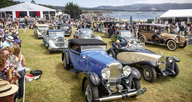 Nagolfovém hřišti  vPebble Beach se konal už 64.ročník Soutěže elegance klasických automobilů