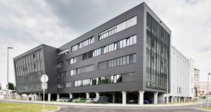 Nová budova Motorového centra Škoda Auto, oficiálně otevřená 4.září 2014