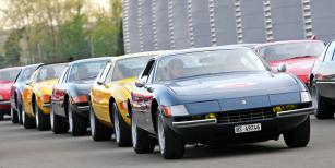 Setkání vozů Daytona upříležitosti čtyřicátin tohoto typu...