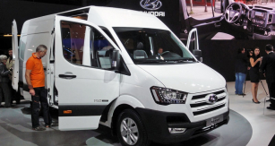 Hyundai H350 (3,5t) byl konstruován speciálně pro potřeby evropských klientů; Panel Van slavil světovou premiéru naIAA 2014 vHannoveru