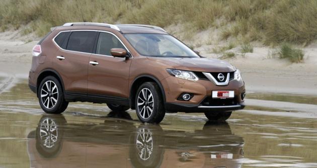 Nový Nissan X-Trail jsme důkladně vyzkoušeli také vlehčím terénu