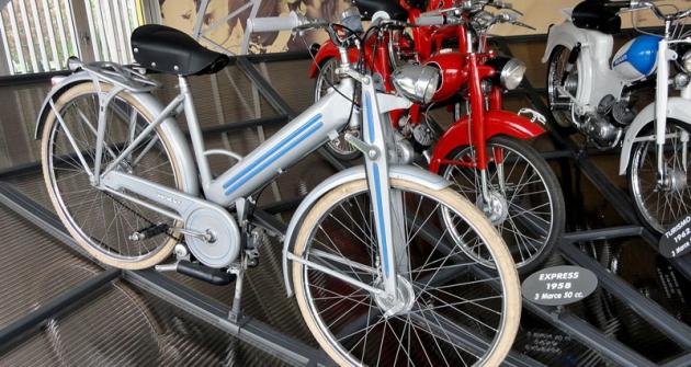 Moped Mosquito 38cm3 ročníku 1955