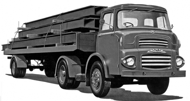 Tahač návěsů Albion Clydesdale stypickou koprodukční budkou Vista Vue, specificky upravenou pro tuto značku