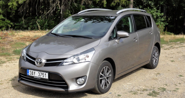 Toyota Verso je sice nenápadný, ale komfortní ahospodárný automobil, zejména snovým vznětovým motorem