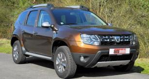 Vylepšená Dacia Duster má přitažlivý dynamický vzhled svýrazně pozměněnou čelní stěnou isvětlomety
