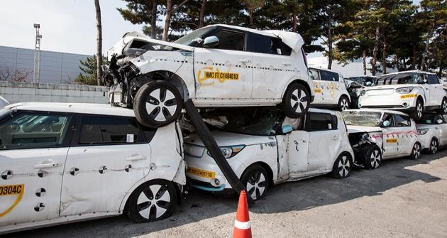 Vozy Kia Soul ponárazových testech před recyklací