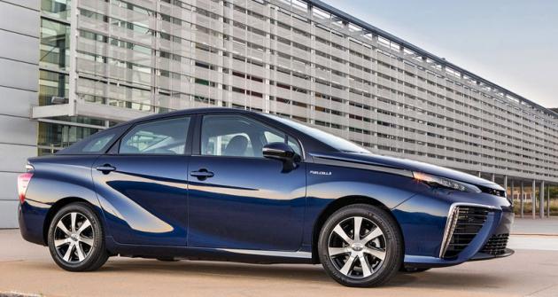 Toyota Mirai je první automobil této značky pro sériovou produkci, odpočátku konstruovaný jako elektromobil poháněný vodíkovými palivovými články