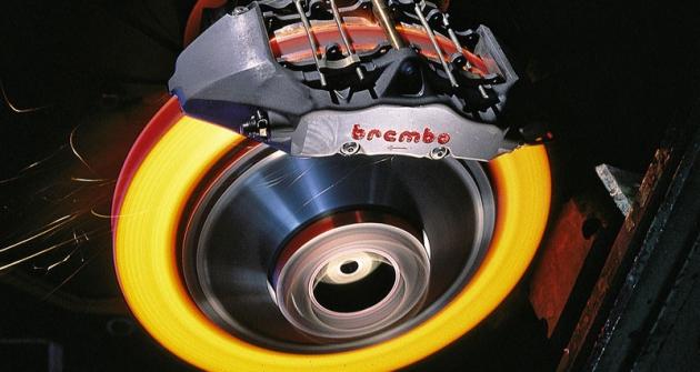 Keramické brzdy pracují steplotami až 1000°C