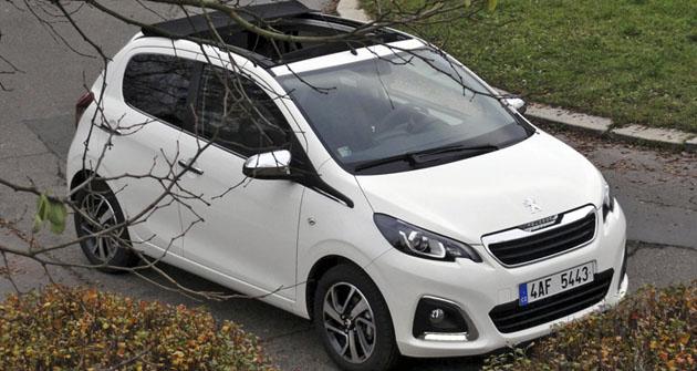 Peugeot 108 Top! Allure, vrchol nabídky sotevírací střechou