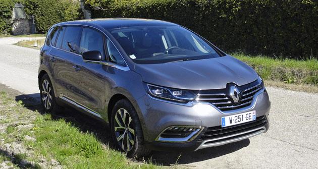 Renault Espace páté generace představuje největší proměnu oduvedení prvního vozu tohoto jména před třiceti lety