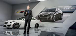 Johan de Nysschen,  nový prezident Cadillacu, představuje CTS-V  dne 13.ledna 2015  naautosalonu vDetroitu
