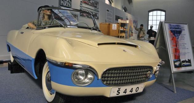 Škoda 440 slaminátovou karoserií Karosa zVysokého Mýta (1959)