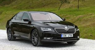 Při testování vToskánsku jsme se přesvědčili, že Škoda Superb patří navrchol střední třídy