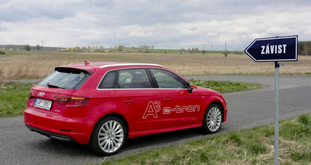 Audi A3 Sportback e-tron,  první sériově vyráběný hybrid této značky smožností externího dobíjení