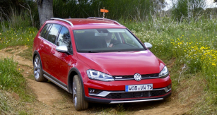 01a-golf-alltrack 97117