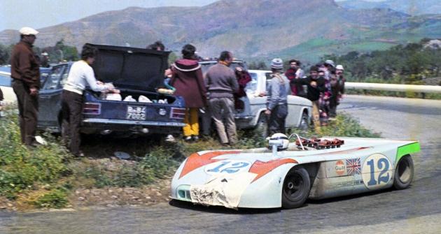 Brian Redman (Porsche 908/3) si jede pro vítězství vročníku 1970