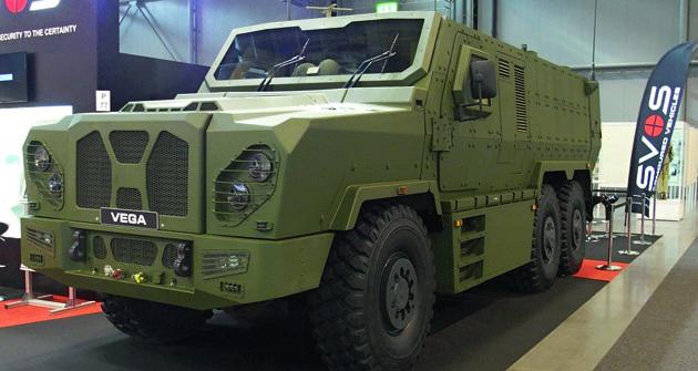 Novinka zPřelouče vpodobě třínápravového speciálu VEGA je postavena na vynikajícím podvozku tatrovácké koncepce těžkého nákladního vozidla.