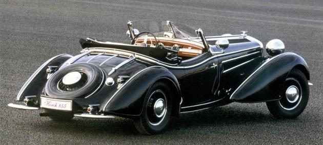 Horch 855 sřadovým osmiválcem OHC 4944cm3 ovýkonu 88kW (120k)/3600min‑1 ase zakázkovou karoserií od  Gläsera zDrážďan (1939)