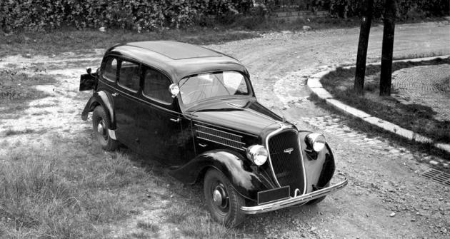 Limuzína Škoda Favorit  první série nasnímku zpodzimu 1936