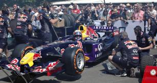 Mladý Pierre Gasly  byl jediným řidičem Red Bullu RB1 Cosworth (2005)