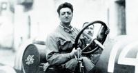 Více než samotné závodění zajímalo nakonci dvacátých let minulého století Enza Ferrariho vedení amagování vlastní závodní stáje.