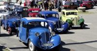 Start byl nanáměstí  vDrahanech, vpředu vozy Z4  (výroba 1933 – 1936)