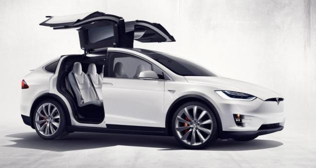 Tesla Model X Elektrické SUV Umí Stovku Za S Automobil Revue - Automobil tesla