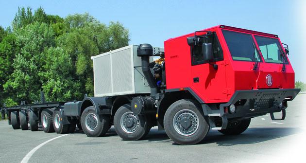 Nízka kabína (séria T 815-7) je zdôvodu zástavby motora posunutá o200mm dopredu ao50mm nižšie než je štandardná poloha pri vozidlách apodvozkoch príslušnej modelovej rady.