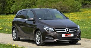 Mercedes-Benz třídy B prošel modernizací  pro modelový rok 2015,  který následovala úprava značení podle pohonných jednotek (dmísto CDI)