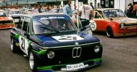 Tovární tým BMW Alpina 2002 sHaraldem Grohsem aJörgem Denzelem (1975)