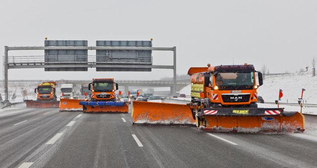 Při náročné zimní údržbě dálnic jsou často využívány podvozky MAN TGS skonfigurací 6x4 nebo 6x6