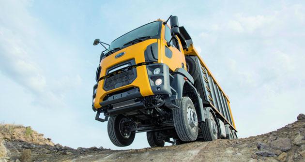 Nová stavební vozidla si sice zachovávají stejné tvary kabiny jako Ford Cargo, ale veskutečnosti jde ozcela nová vozidla.