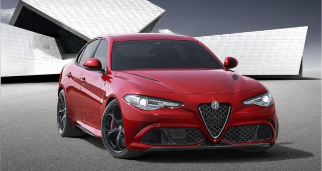 Alfa Romeo Giulia,  návrat ksedanu spohonem zadní nápravy  povíce než dvaceti letech (naposledy Alfa 75  doroku 1992)