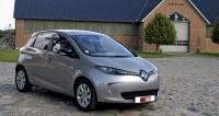 Renault ZOE  vede tabulky prodejů elektrických vozidel veFrancii, ale také se vyváží idojiných zemí (nikoli knám)