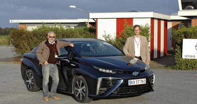 Poprvé jsme vyzkoušeli vodíkovou Toyotu Mirai  při dánských Tannistesten, samozřejmě jako první  čeští novináři...