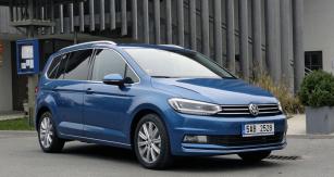 Volkswagen Touran 2.0 TDI, který jsme důkladně vyzkoušeli cestou zPrahy naNeziderské jezero urakouského Frauenkirchenu azase zpátky domů...