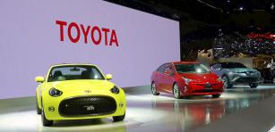 Středem expozice  Toyota Motor Corporation  byly sportovní roadster S-FR,  zcela nový Prius čtvrté generace acrossover C-HR (zleva doprava)