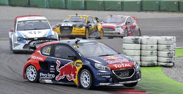 Timmy Hansen (Peugeot 208 WRX)  je vicemistrem světa;  stáji svého otce Kennetha pomohl kezlatu  vhodnocení týmů