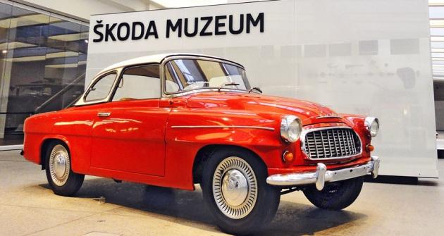 Škoda 450 model 1959,  předchůdce první Felicie,  představený světu  naLondýnském autosalonu 1957